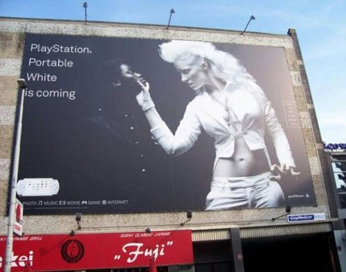 Pubblicita Sony censurata