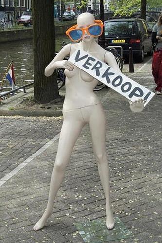 Amsterdam, il Giorno della Regina, Manichino Verkoop