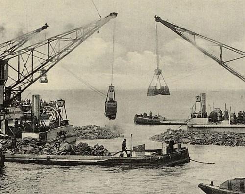 la Diga dell'Afsluitdijk, le Gru al lavoro