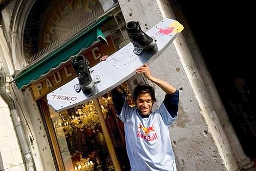 Duncan sfreccia a Venezia sul wakeboard