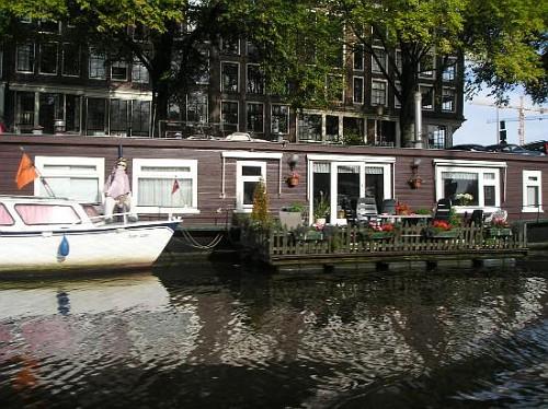 Amsterdam, Chiatte galleggianti