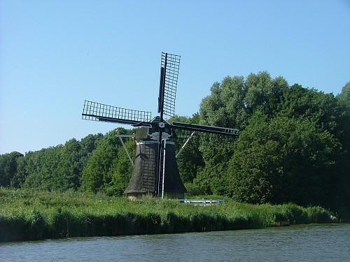 Olanda viaggio in barca. Mulino a Vento